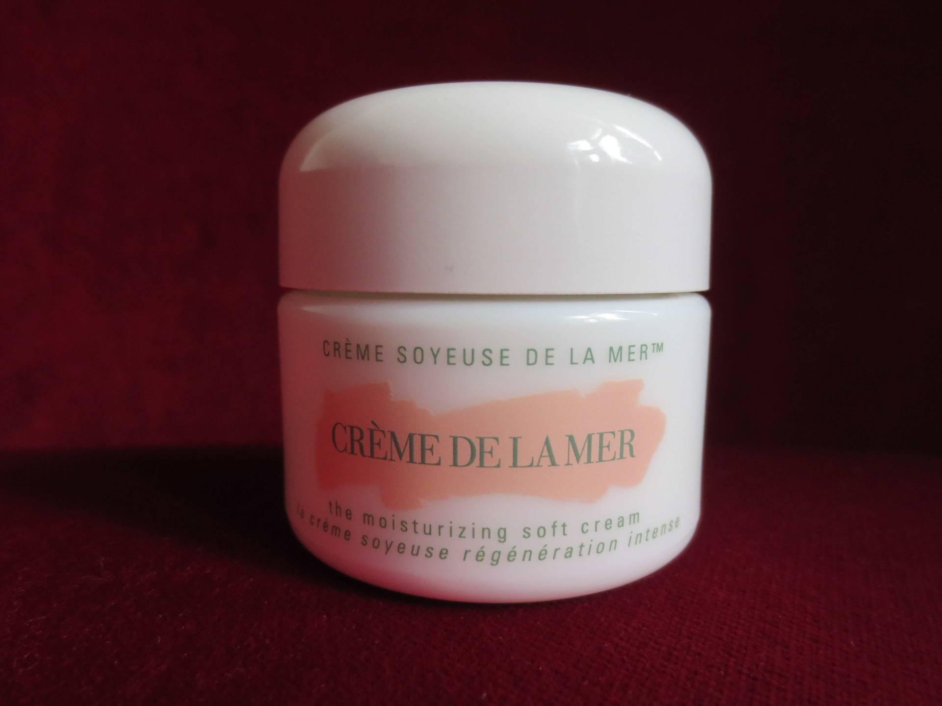 cr me de la mer is it worth the price tag lip balm and hand cream. Black Bedroom Furniture Sets. Home Design Ideas