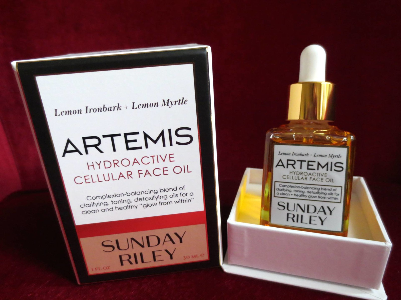 A complexion-balancing face oil from Sunday Riley – Artemis hydroactive cellular face oil