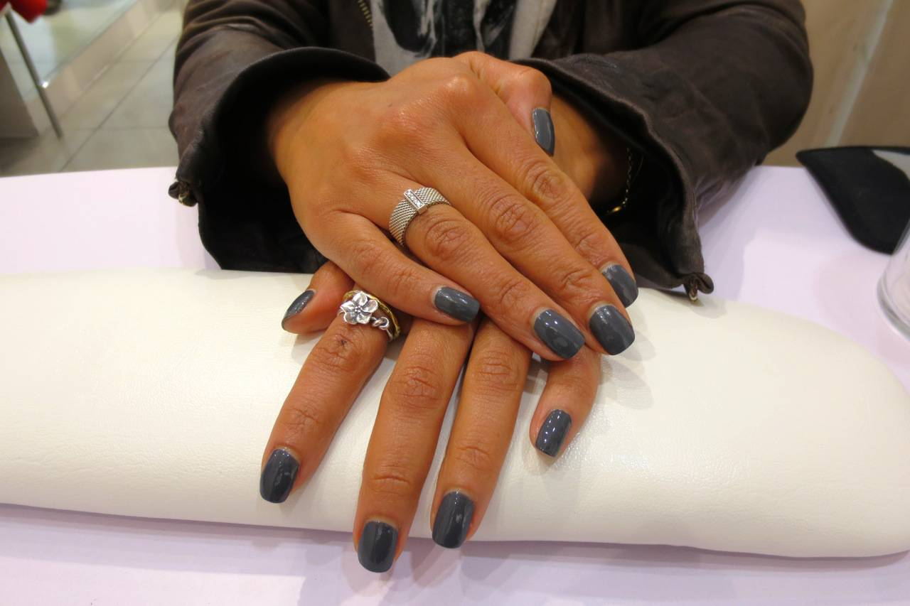 HJ Manicure polish in subzero - my new grey squeeze