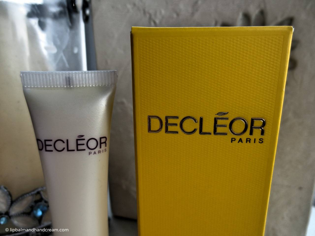 Decléor aroma lisse 2-In-1 dark circle & eye wrinkle eraser