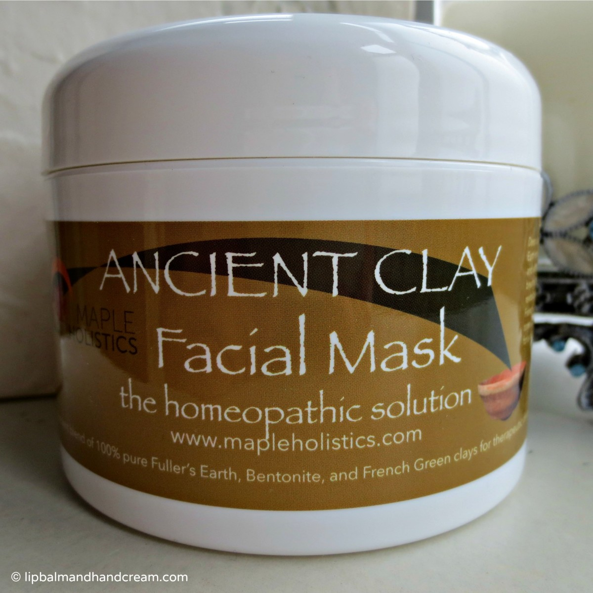 Ancient clay mask from Maple holistics – 3 ingredients only